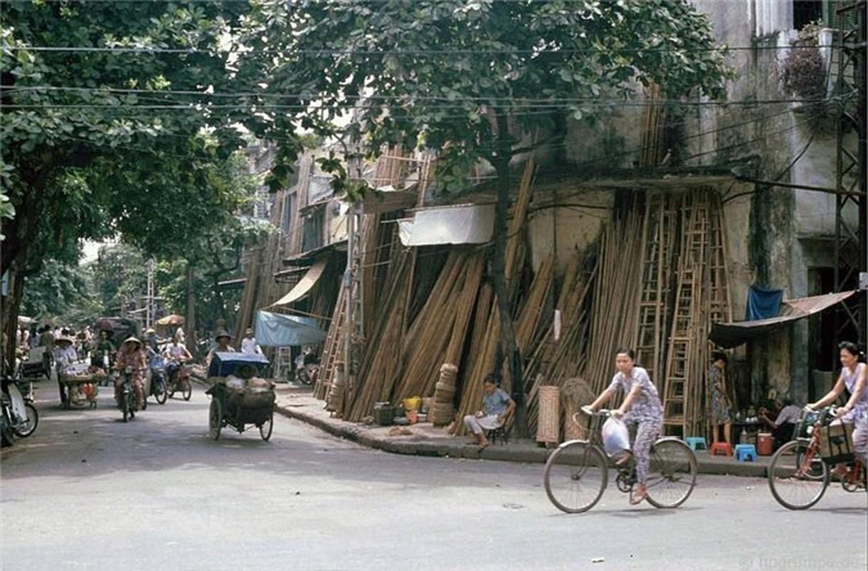 Nhip song Ha Noi qua nhung khu cho pho co nhung nam 1990-Hinh-19