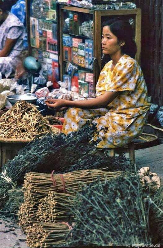 Nhip song Ha Noi qua nhung khu cho pho co nhung nam 1990-Hinh-21