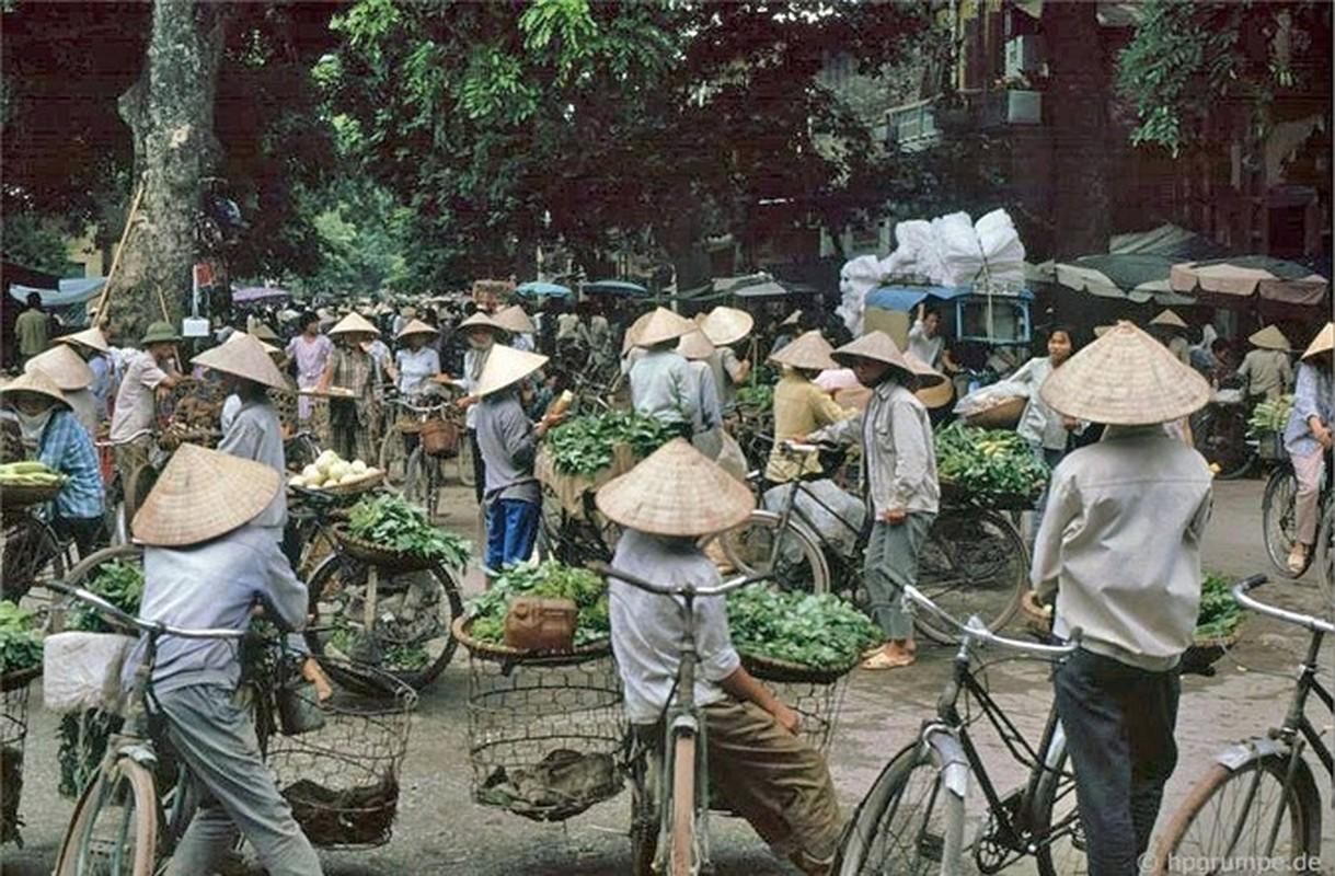 Nhip song Ha Noi qua nhung khu cho pho co nhung nam 1990-Hinh-6
