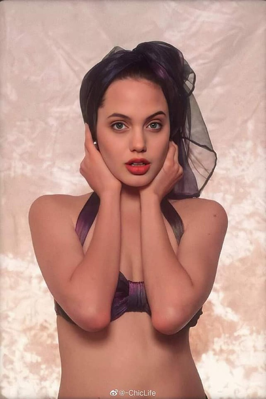 Me man nhan sac la Angelina Jolie thoi tho au-Hinh-4