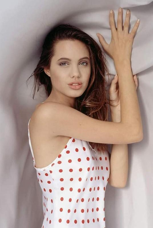 Me man nhan sac la Angelina Jolie thoi tho au-Hinh-6