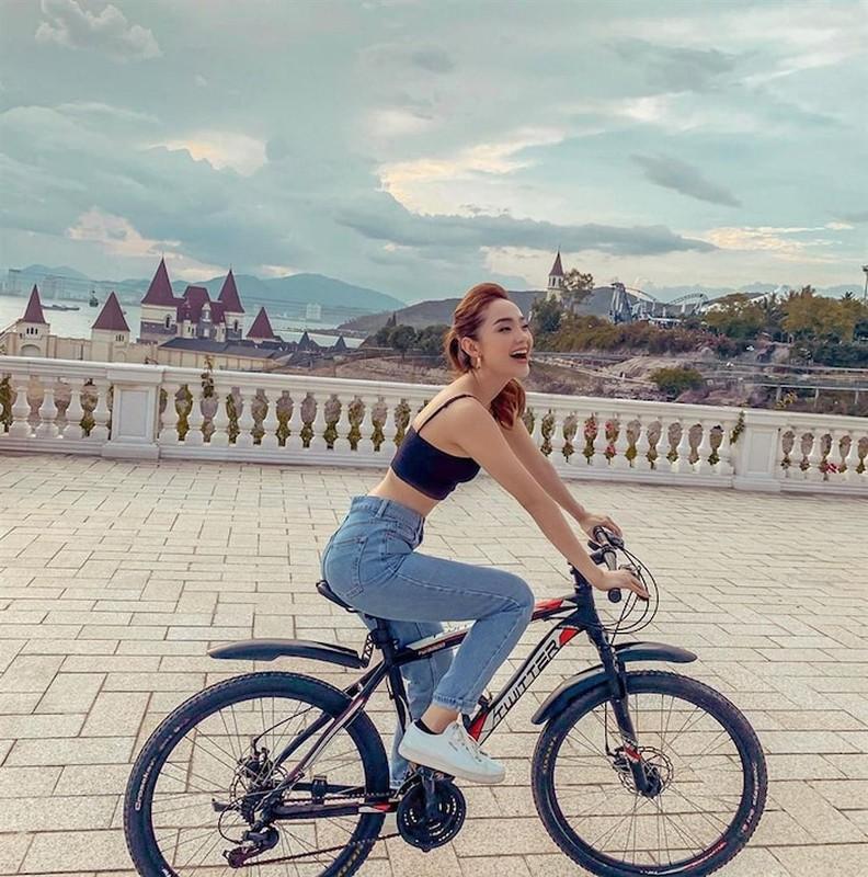 My nhan showbiz Viet lien tuc bi bat loi photoshop qua da-Hinh-13