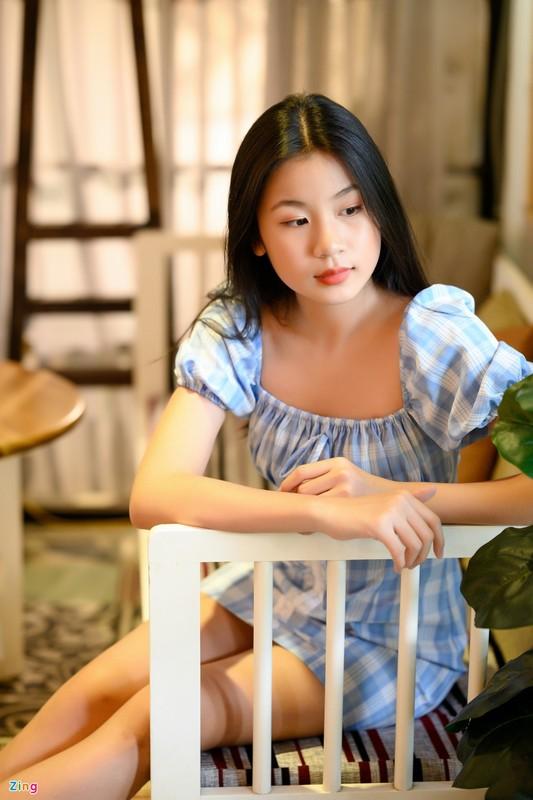 Nhan sac con gai 15 tuoi cua Luu Thien Huong ngoai doi-Hinh-4