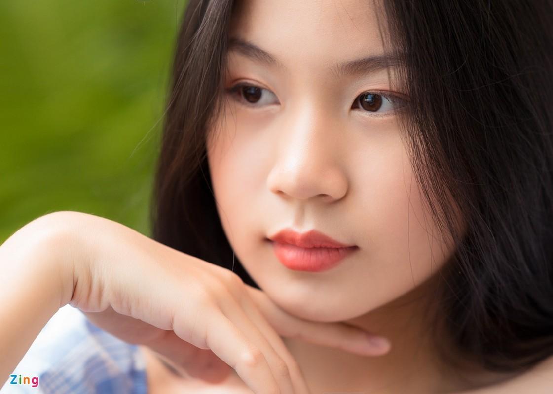 Nhan sac con gai 15 tuoi cua Luu Thien Huong ngoai doi