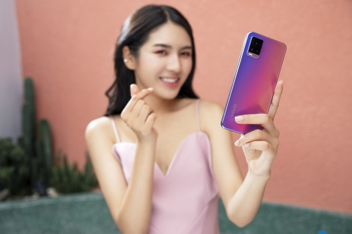 Kha nang chup anh cua vivo V20 va iPhone 11, camera nao an tuong hon?-Hinh-2