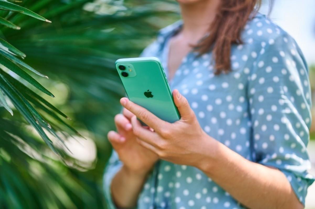 Kha nang chup anh cua vivo V20 va iPhone 11, camera nao an tuong hon?