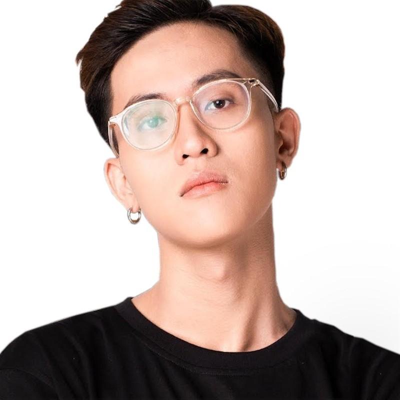 Streamer Ha Tieu Phu bi ban gai xinh dep cam sung la ai?-Hinh-4
