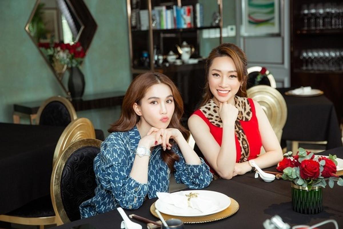 Tinh ban hon 12 nam cua Ngoc Trinh va Ly Thuy Chang-Hinh-4