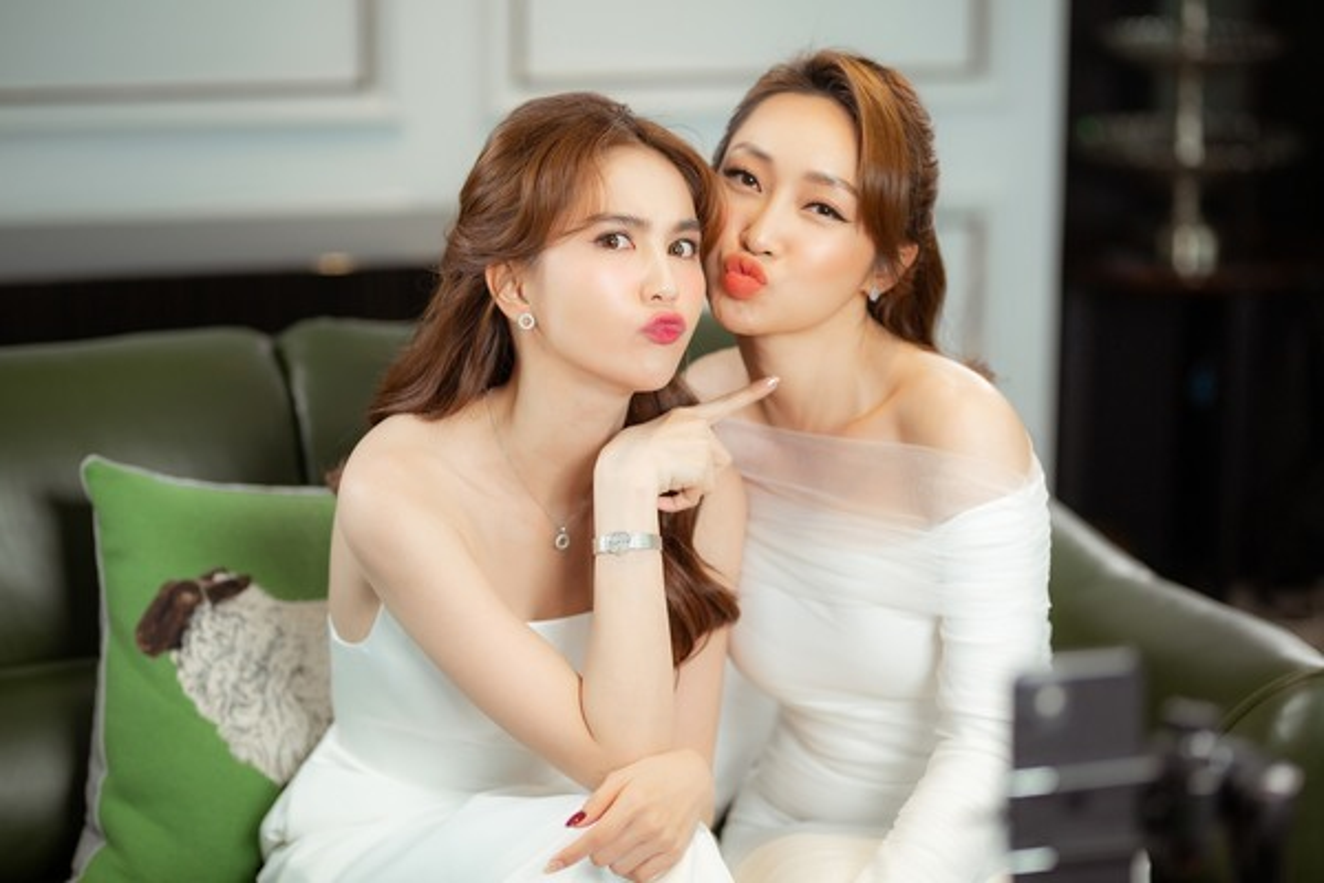 Tinh ban hon 12 nam cua Ngoc Trinh va Ly Thuy Chang-Hinh-5