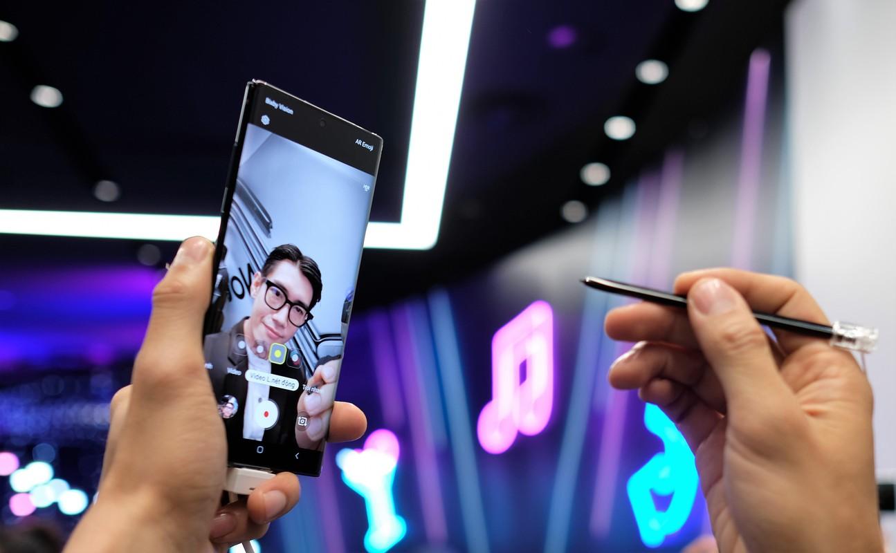 Gia cac smartphone cao cap qua su dung tai Viet Nam-Hinh-2