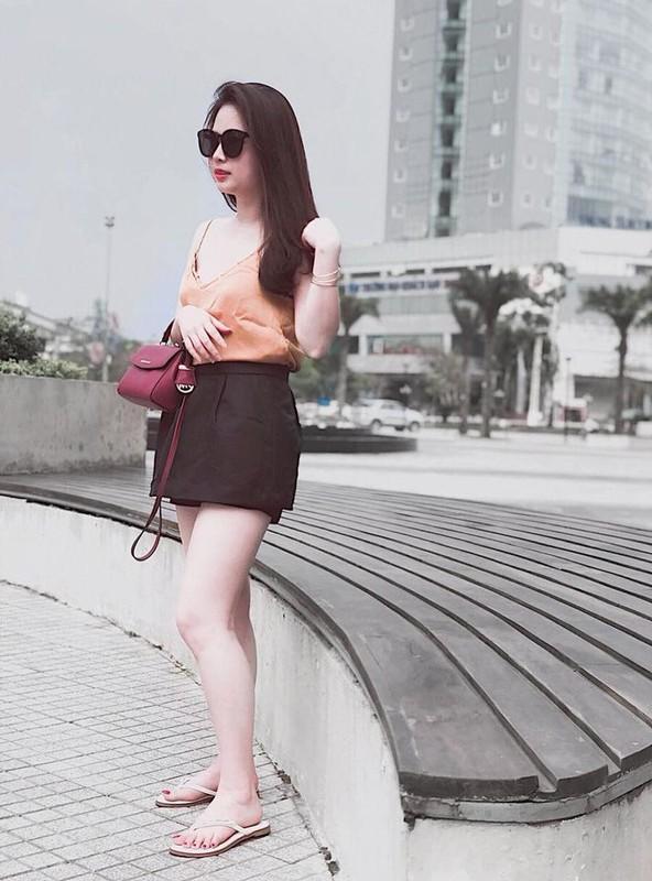 Nhan sac vo moi cuoi cua cau thu Hoang Van Khanh gay chu y-Hinh-5