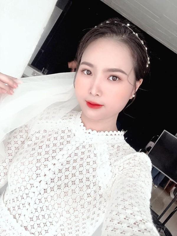Nhan sac vo moi cuoi cua cau thu Hoang Van Khanh gay chu y-Hinh-6