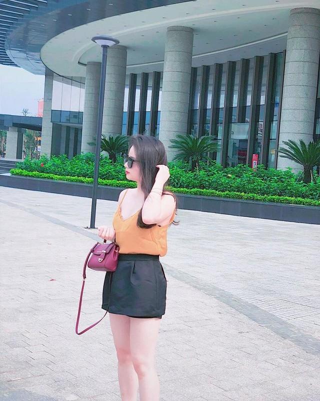 Nhan sac vo moi cuoi cua cau thu Hoang Van Khanh gay chu y-Hinh-9