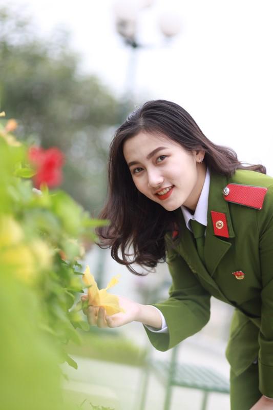 Nhung bong hong xinh dep cua HV Canh sat nhan dan-Hinh-2