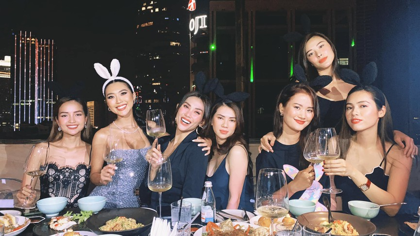 Do My Linh dien vay cat xe do duong cong dep mat-Hinh-14