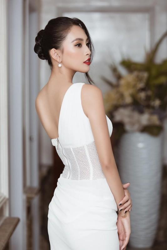 Do My Linh dien vay cat xe do duong cong dep mat-Hinh-2