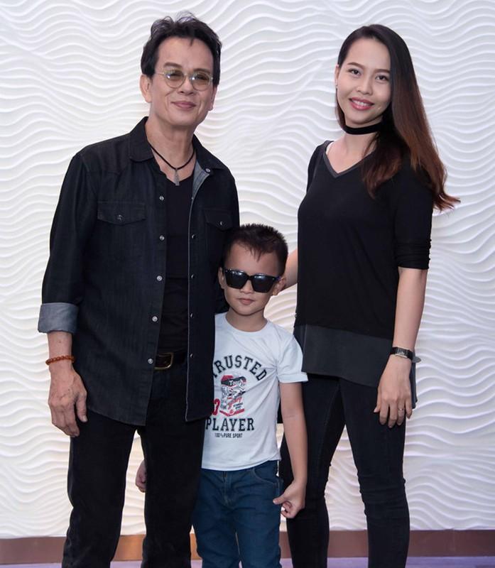 Nhung sao nam Viet lay vo kem hang chuc tuoi-Hinh-10