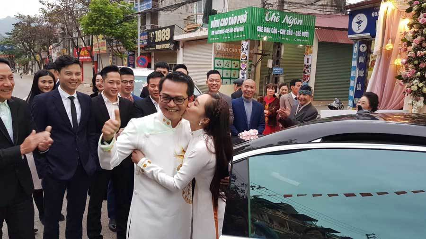 Nhung sao nam Viet lay vo kem hang chuc tuoi-Hinh-8