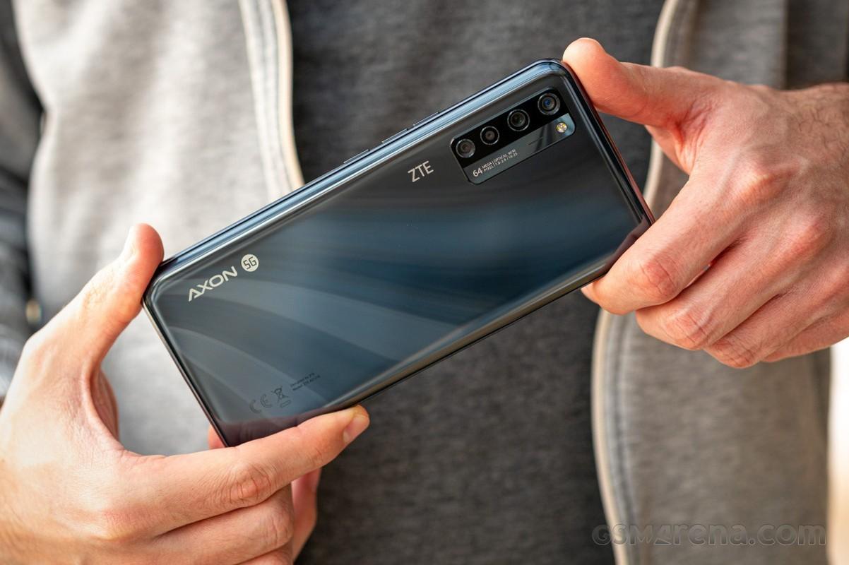 Smartphone co camera duoi man hinh cua ZTE-Hinh-14