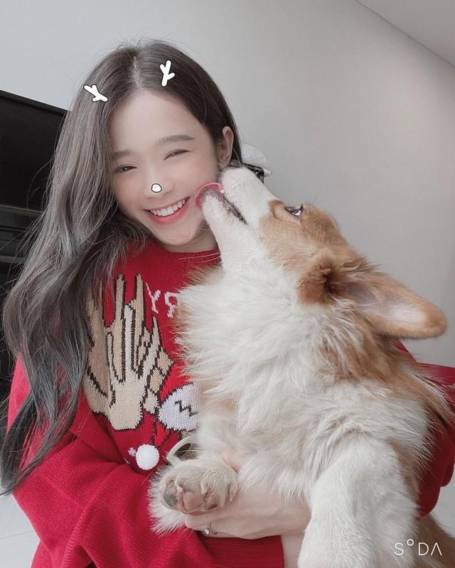 Hot girl Viet xinh tuoi rang ngoi don Giang sinh-Hinh-11