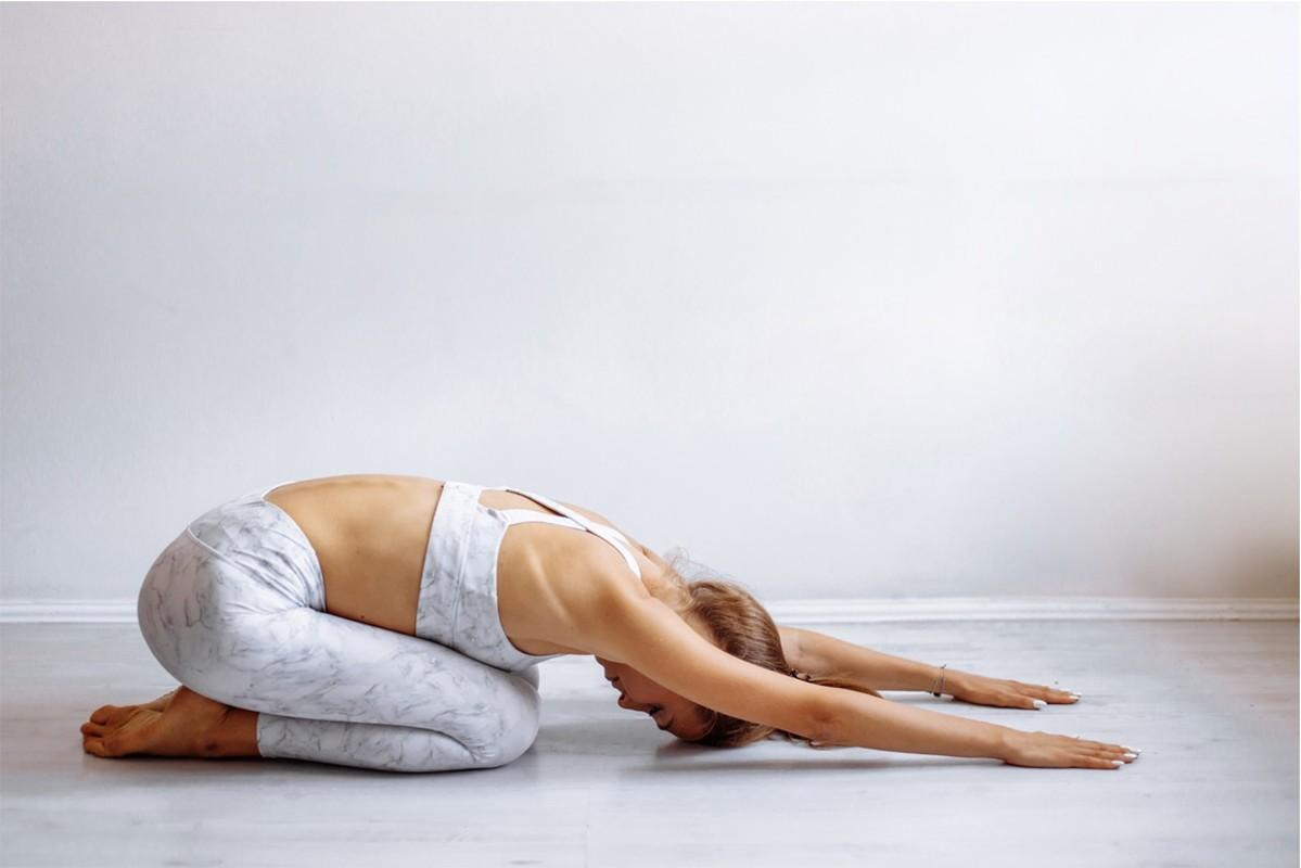 Nhung tu the yoga nen tap khi met moi-Hinh-4