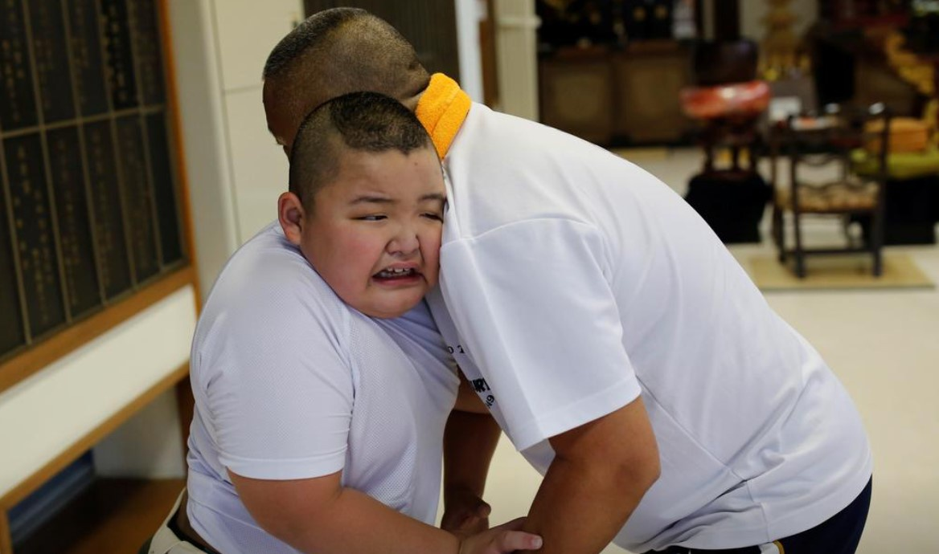 Vo si sumo moi 10 tuoi da nang 85 kg-Hinh-4