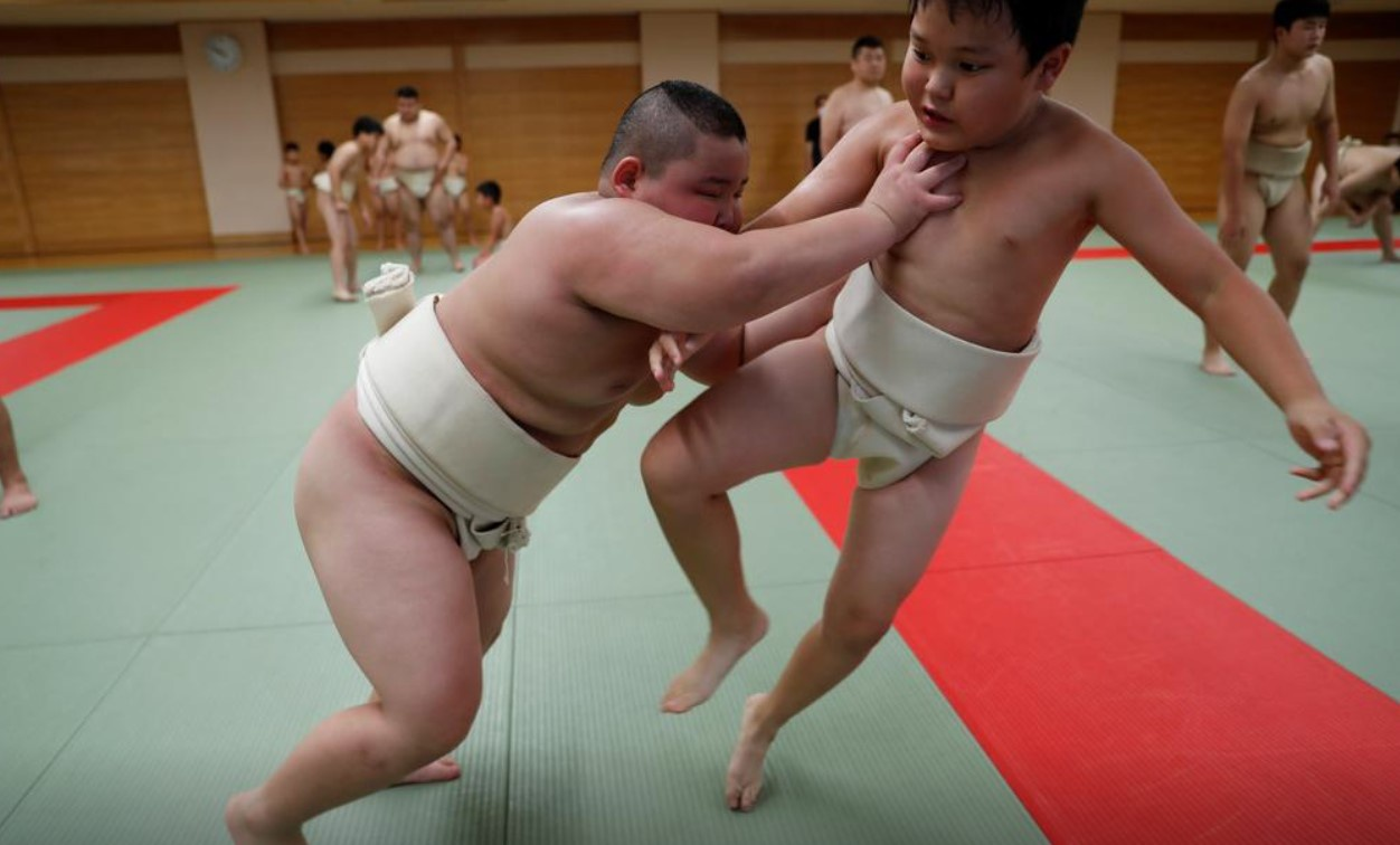 Vo si sumo moi 10 tuoi da nang 85 kg-Hinh-7