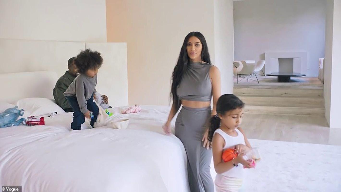 Cach tieu xai vo cung hoang phi cua Kim Kardashian-Hinh-4