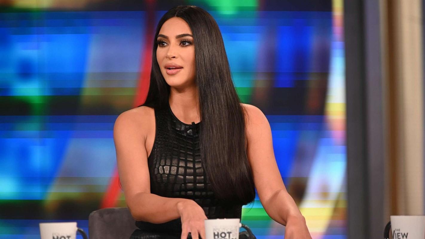 Cach tieu xai vo cung hoang phi cua Kim Kardashian-Hinh-5
