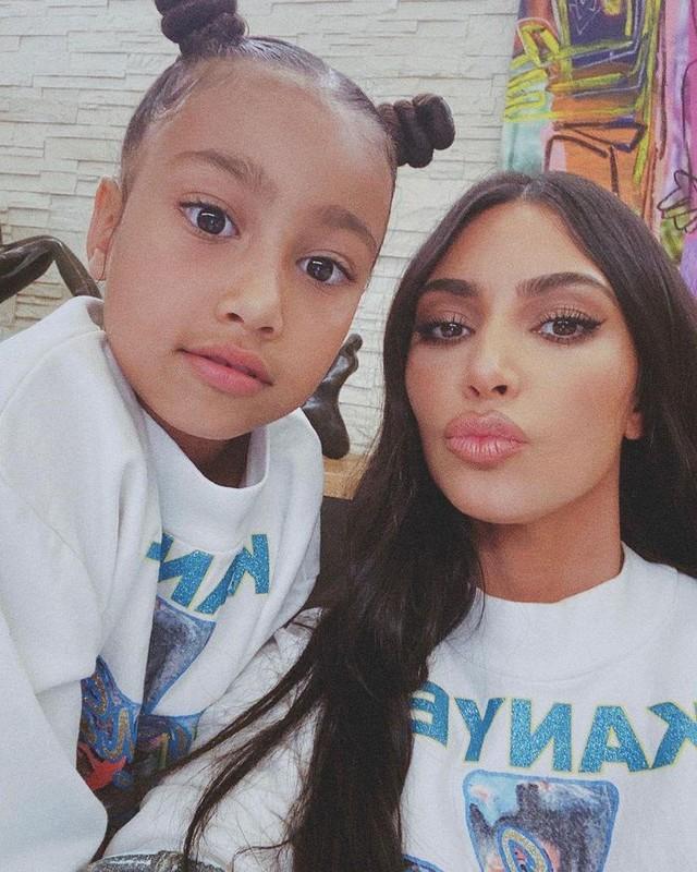 Cach tieu xai vo cung hoang phi cua Kim Kardashian-Hinh-7
