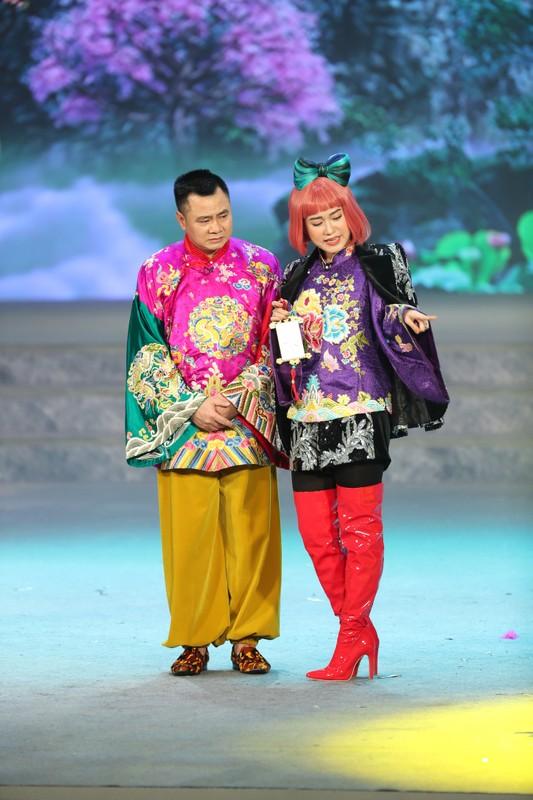 Loat hinh anh tren san khau Tao Quan 2021-Hinh-5