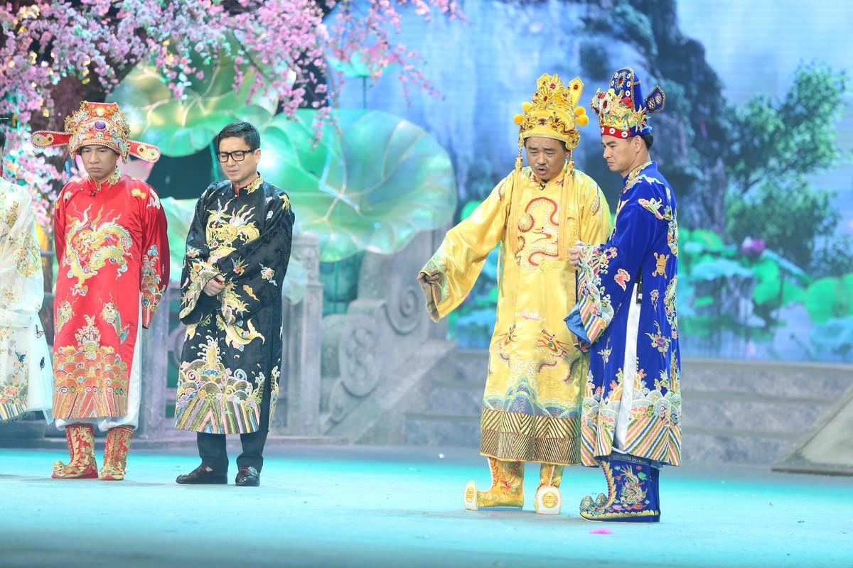 Loat hinh anh tren san khau Tao Quan 2021-Hinh-9