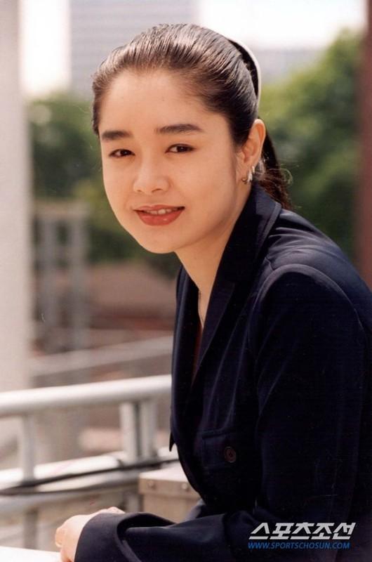 Cuoc song thang tram cua dien vien Lee Ji Eun-Hinh-5