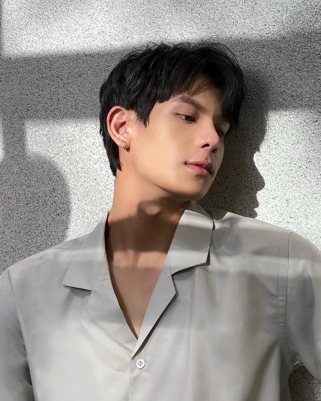 Nam sinh DH Luat Ha Noi gay chu y vi thanh thao 3 thu tieng-Hinh-6