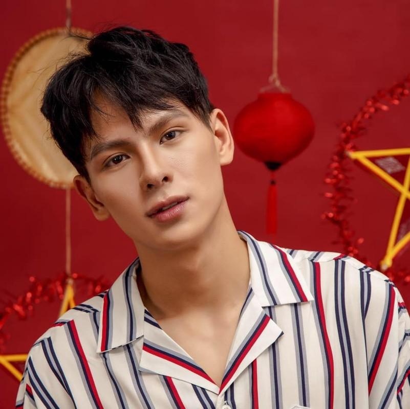 Nam sinh DH Luat Ha Noi gay chu y vi thanh thao 3 thu tieng