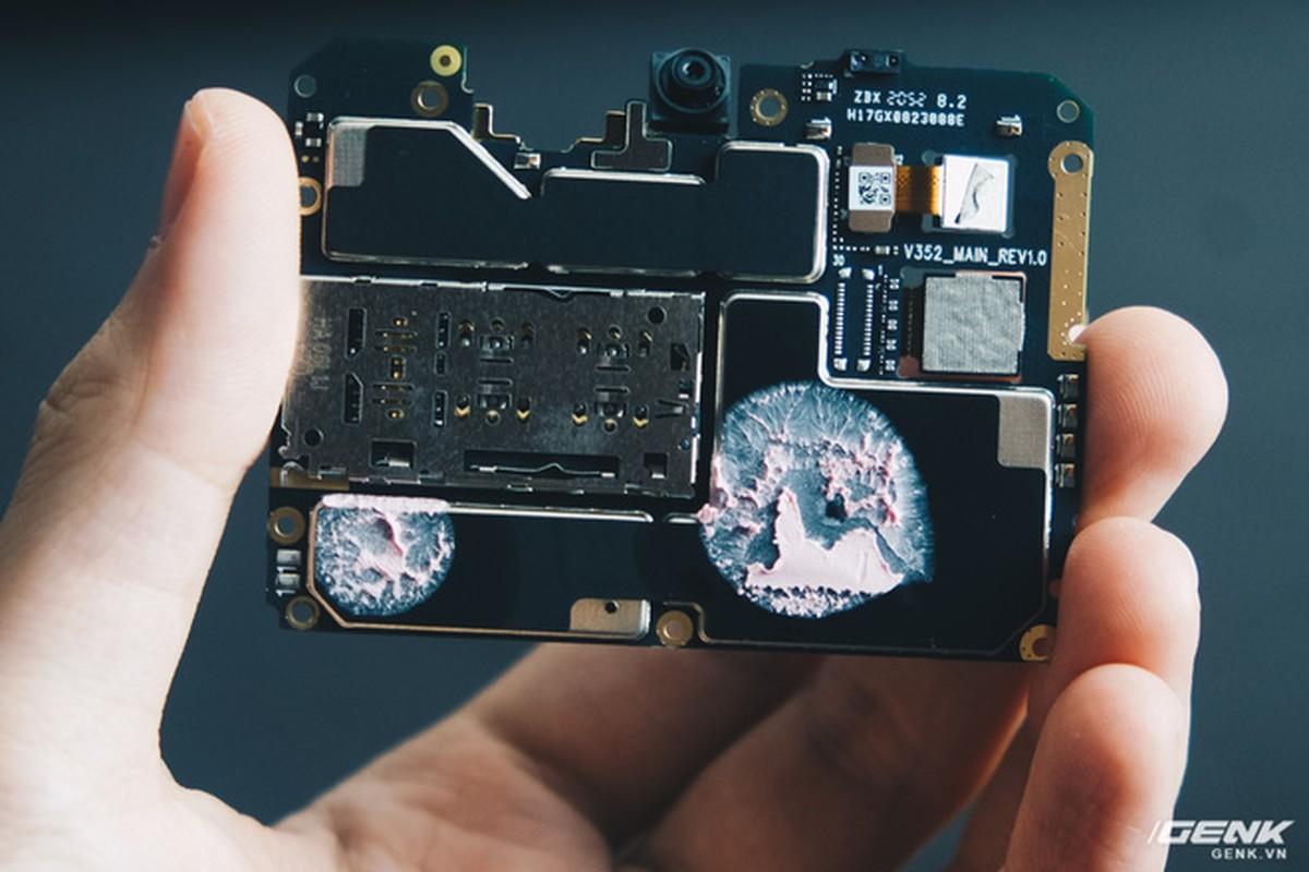 Co gi ben trong smartphone gia 2.69 trieu cua VinSmart?-Hinh-13