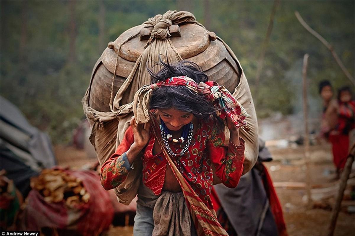 Cuoc song cua bo toc san bat cuoi cung o Nepal o the ki 21-Hinh-7