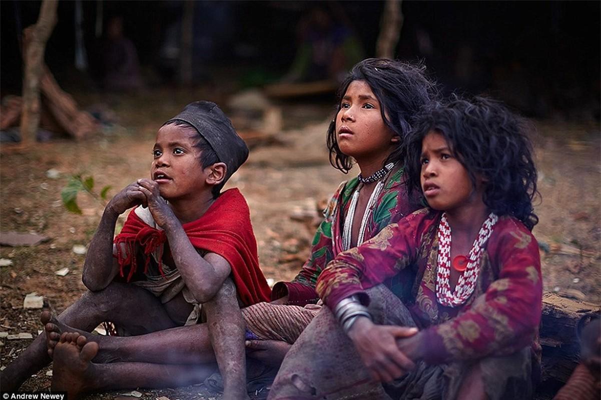 Cuoc song cua bo toc san bat cuoi cung o Nepal o the ki 21-Hinh-8