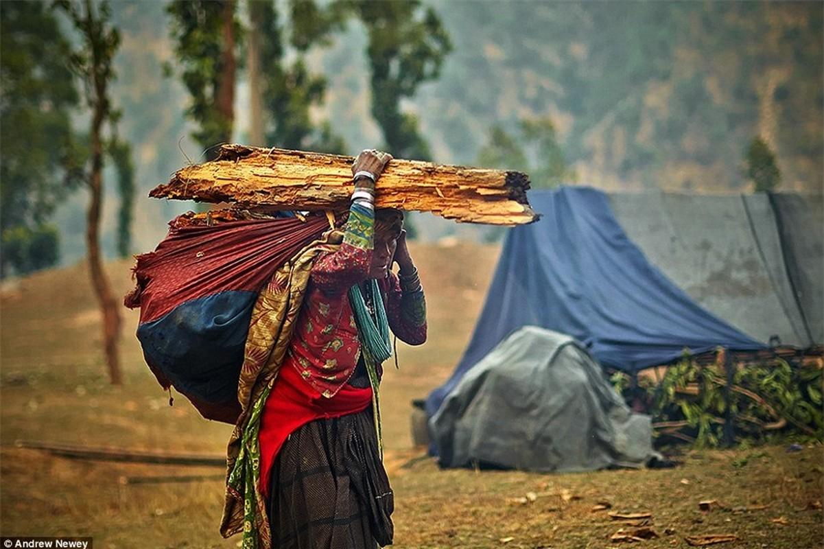 Cuoc song cua bo toc san bat cuoi cung o Nepal o the ki 21-Hinh-9