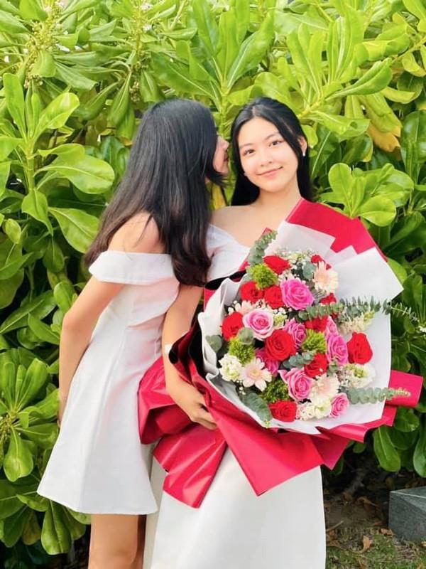 Con gai 15 tuoi cua Quyen Linh co chieu cao noi bat-Hinh-3