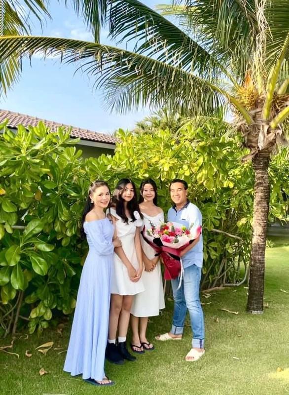 Con gai 15 tuoi cua Quyen Linh co chieu cao noi bat