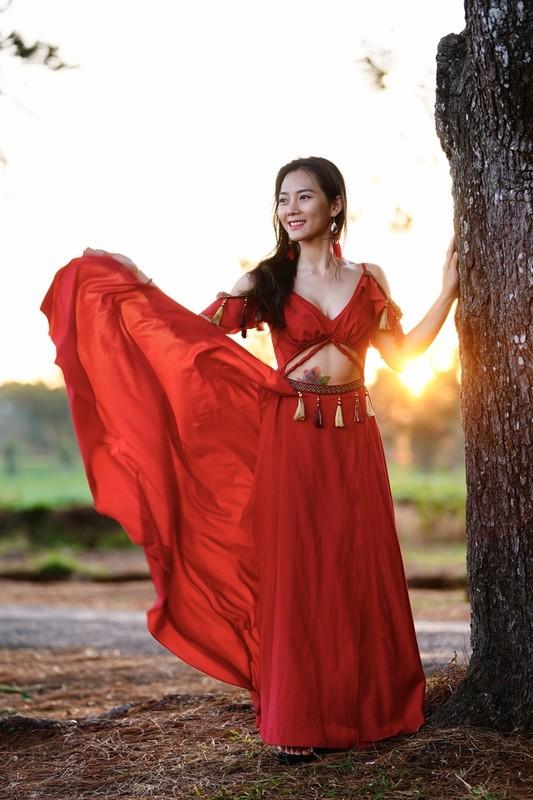 Co gai trinh dien yoga giua nui rung Gia Lai-Hinh-6