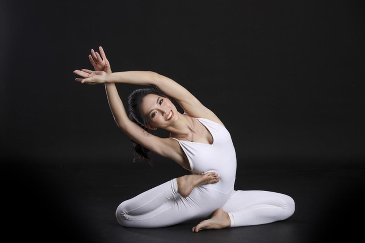 Co gai trinh dien yoga giua nui rung Gia Lai-Hinh-7