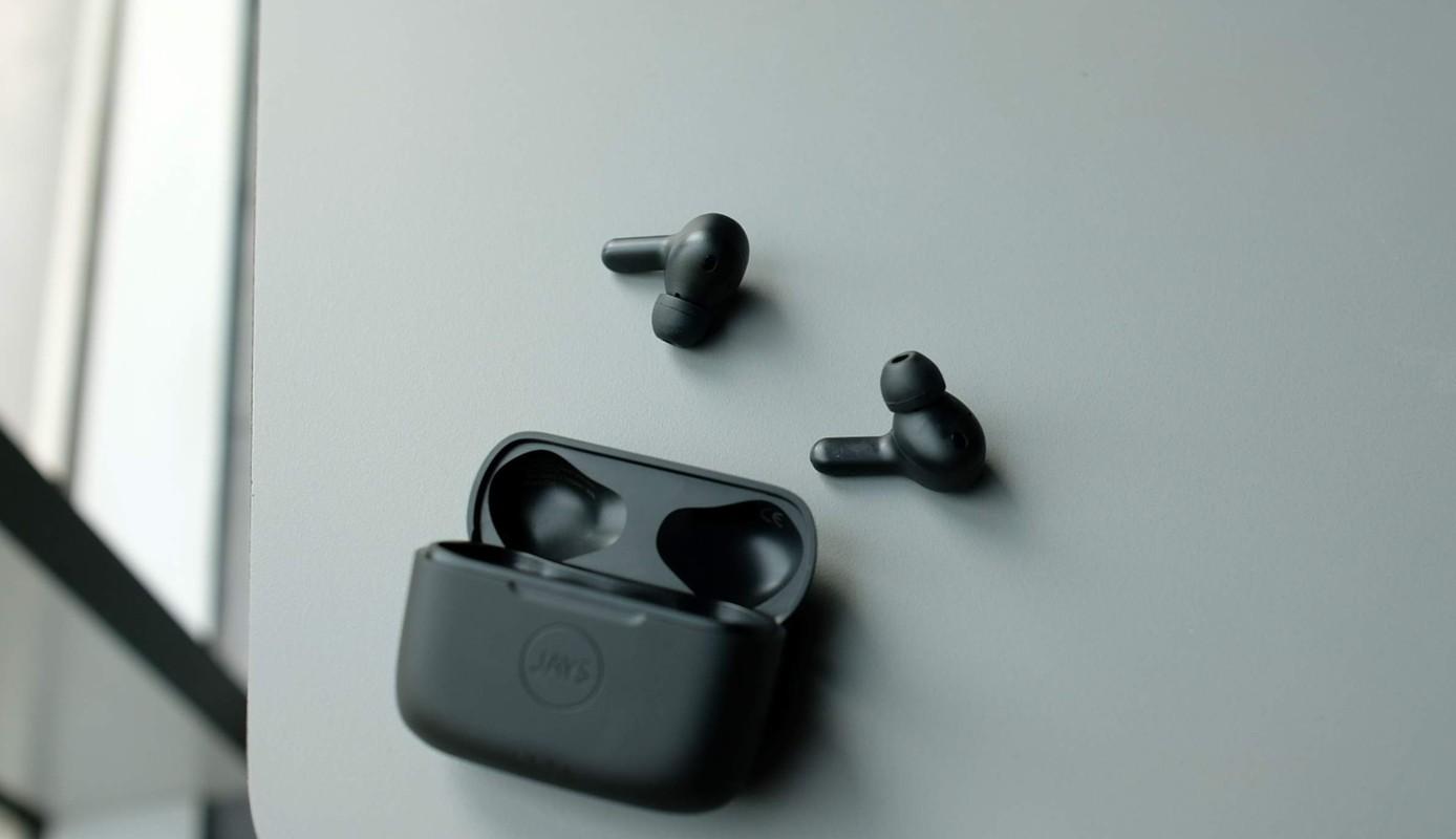 Nhung mau tai nghe true wireless chong on-Hinh-3