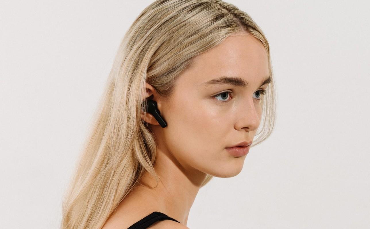 Nhung mau tai nghe true wireless chong on-Hinh-4