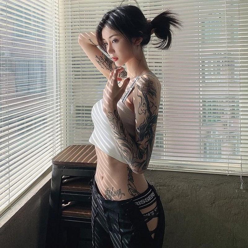 Nang mau Trung Quoc dam me xam minh-Hinh-6