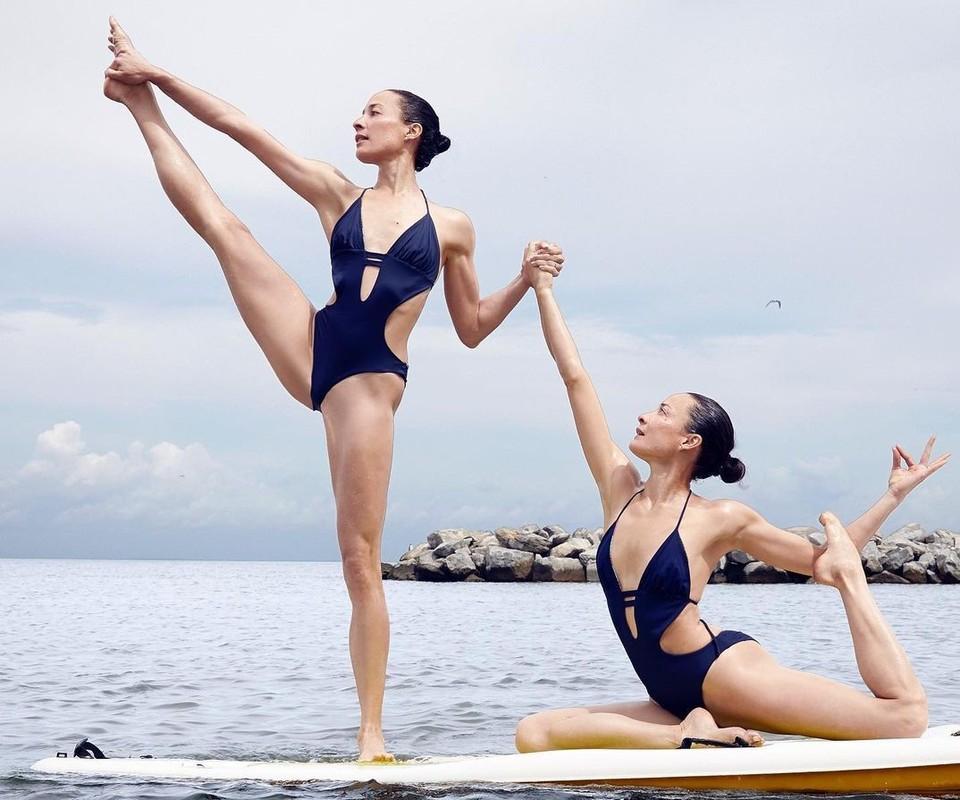 Chi em sinh doi la HLV yoga noi tieng-Hinh-2