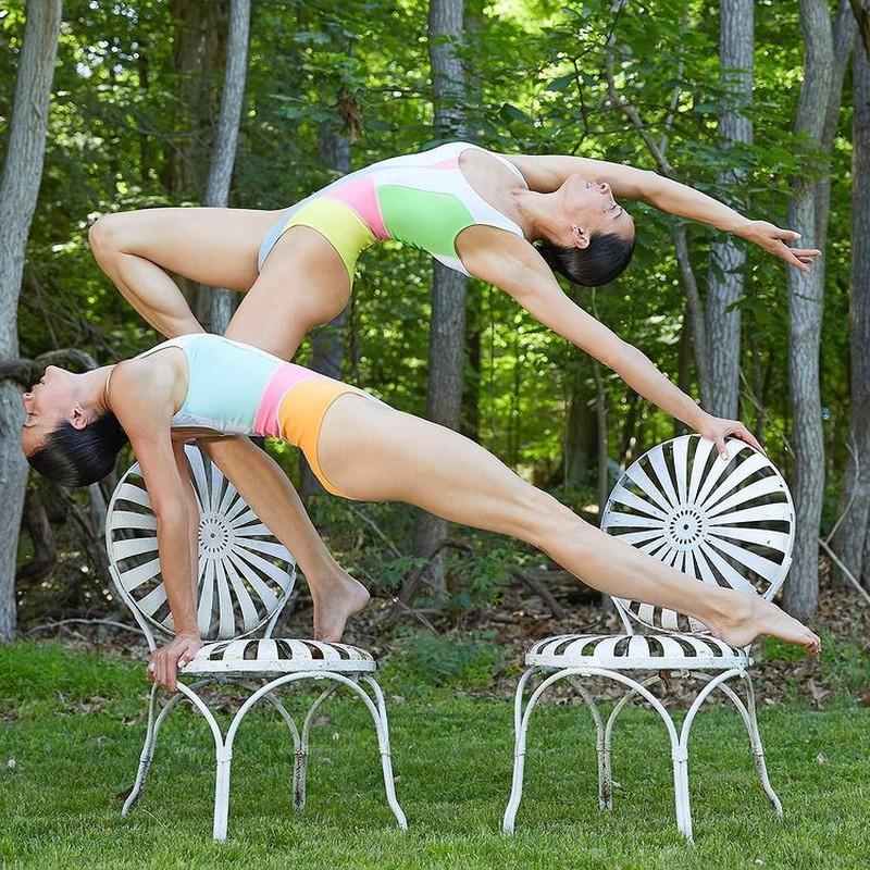Chi em sinh doi la HLV yoga noi tieng-Hinh-4