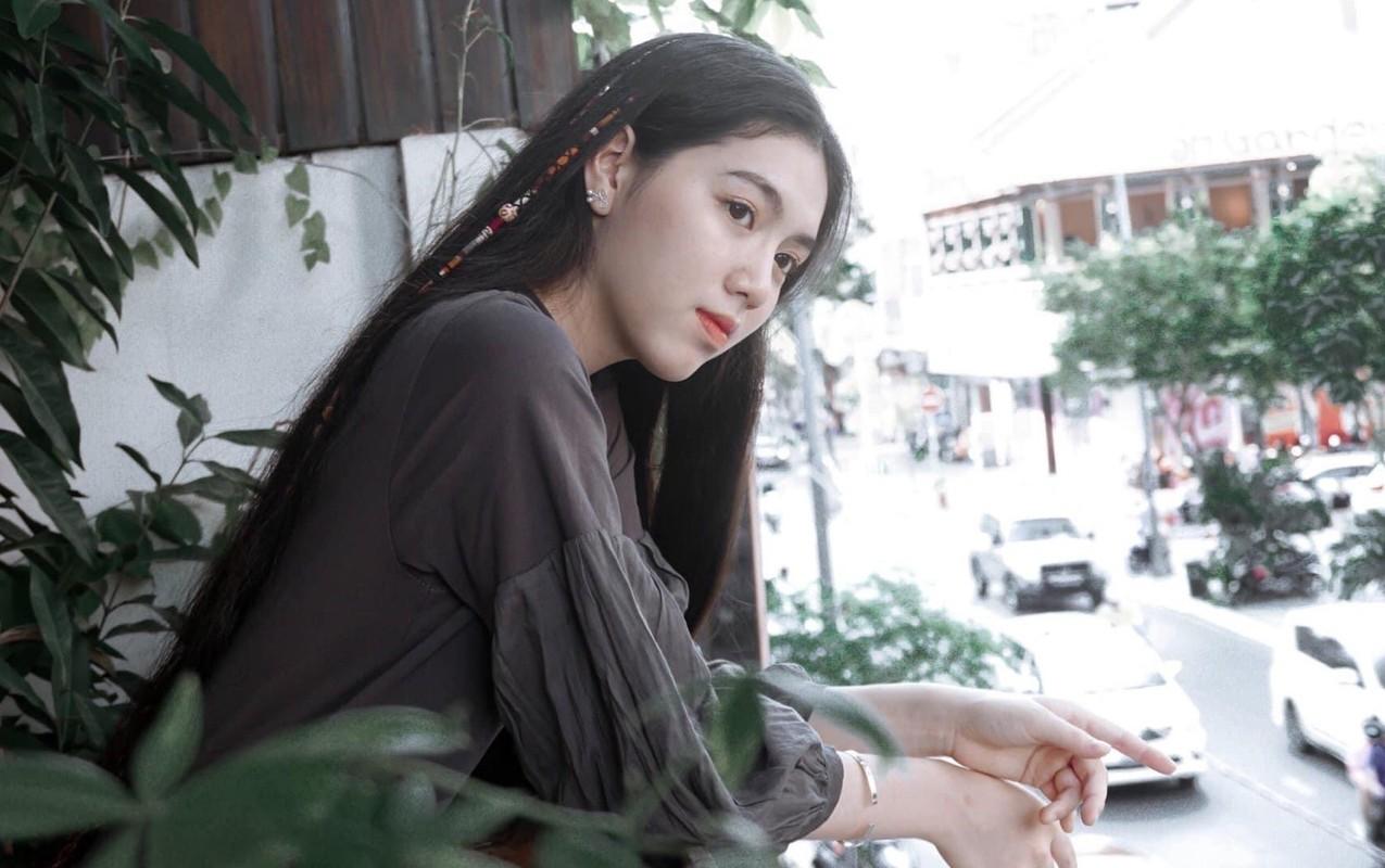 Hoa khoi DH Ton Duc Thang noi bat voi chieu cao 1,72 m-Hinh-2