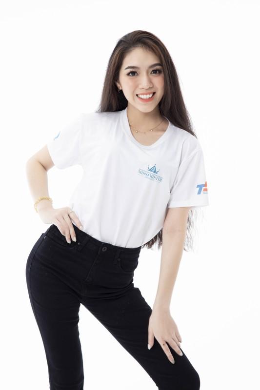 Hoa khoi DH Ton Duc Thang noi bat voi chieu cao 1,72 m-Hinh-3